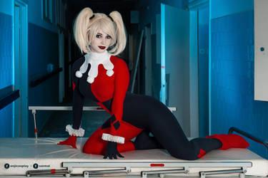 Harley Quinn cosplay III. by EnjiNight
