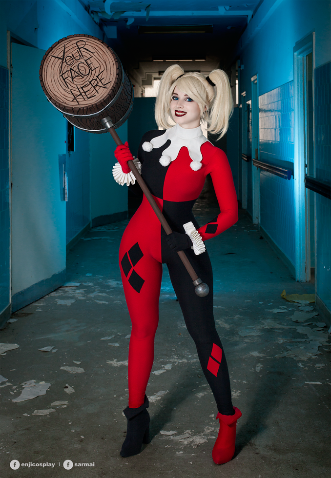 Harley Quinn cosplay V. by EnjiNight