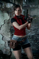 Claire Redfield cospaly I. by EnjiNight
