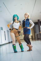 Bulma and C18 cosplay - Dragon Ball by EnjiNight