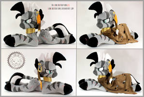 + Plush Commission#6 2020: Xenith +