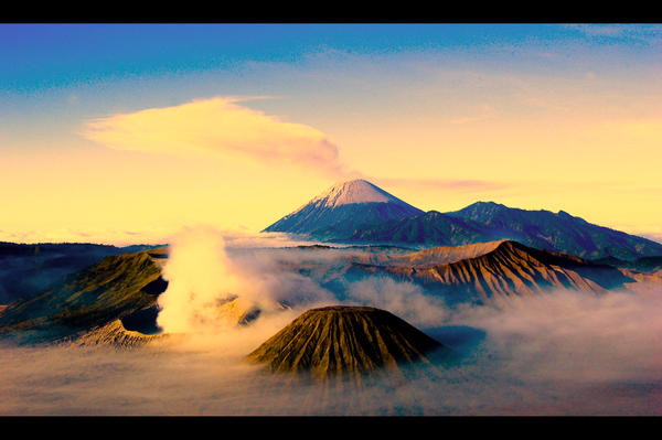 Sunrise at bromo and semeru by deholicc