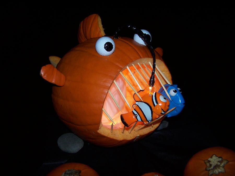 A finding nemo pumpkin by maddiebraginskyfan on deviantart for Finding nemo angler fish