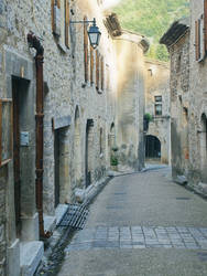 Dans la rue. by Veuillez-raccrocher