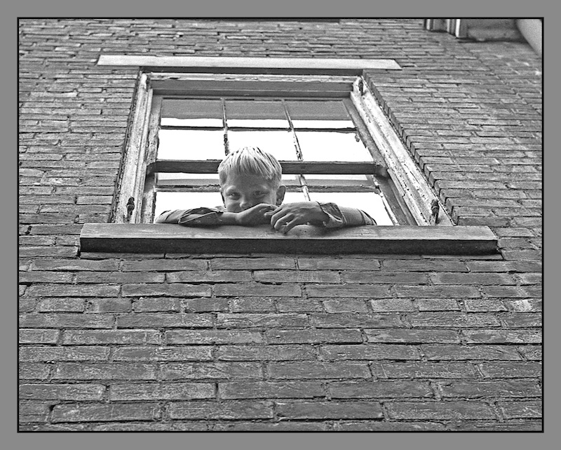 Boy In window.img677, with story by harrietsfriend