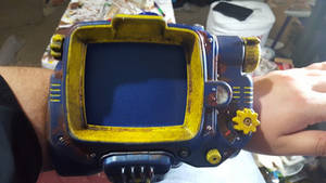 ''Weathered'' Vault-Tec colored Pip-Boy