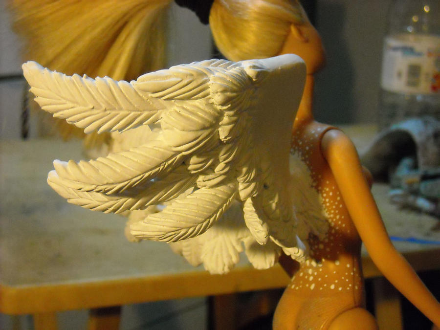 Wings tutorial teaser... by Bee-chan