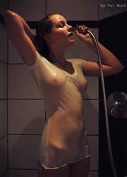 Claire unter der Dusche by Val-Mont
