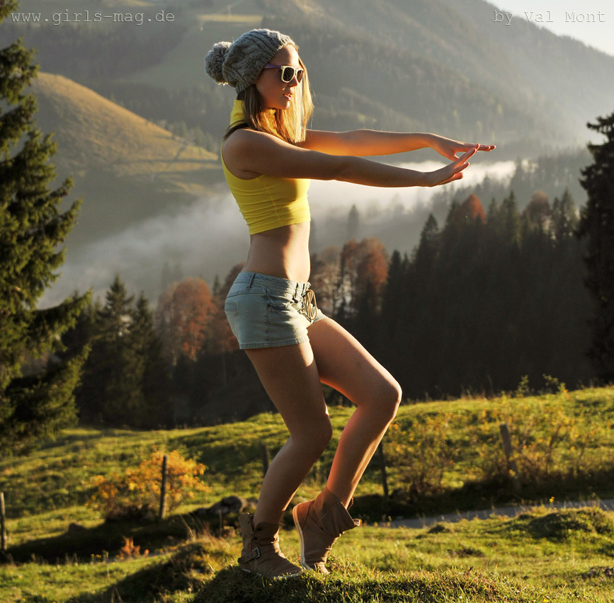 Kristin dancing the alpine style by Val-Mont