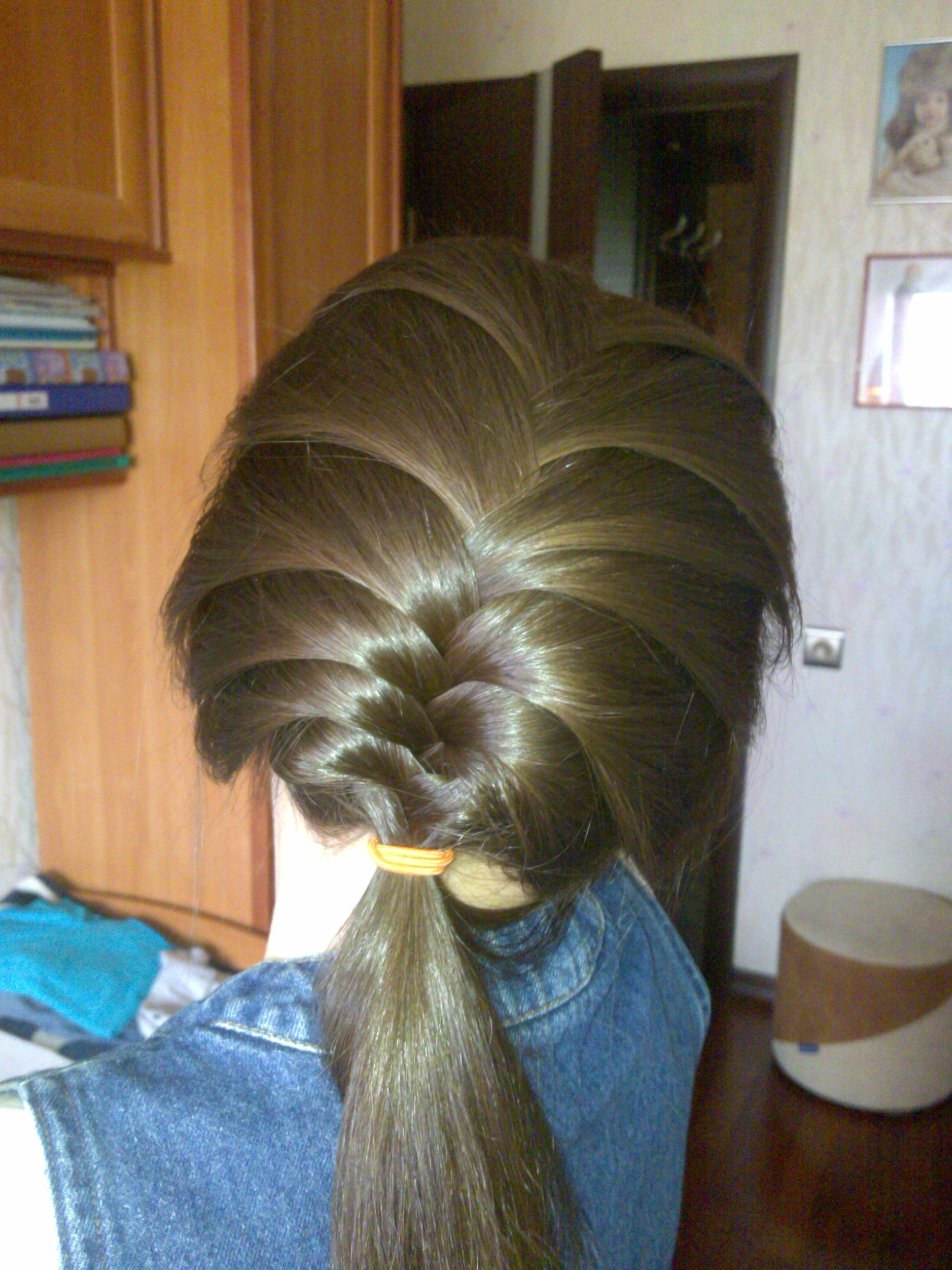 Tags:how To French Braid Your Own Hair In Two Parts Neatly, Dutch Braid