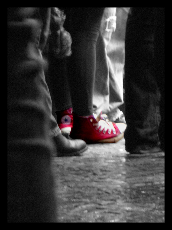 Converse in the crowd