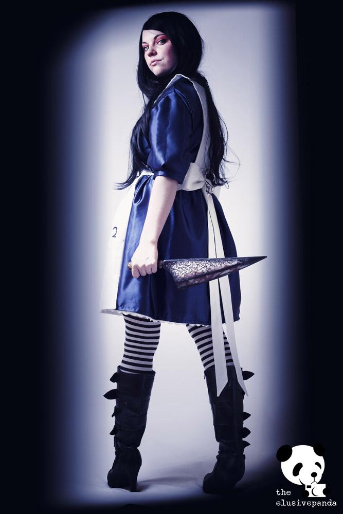 Alice Returns Cosplay by Lampylampy by theelusivepanda