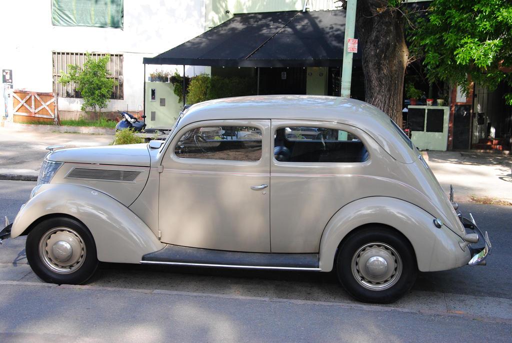 Ford by koburman