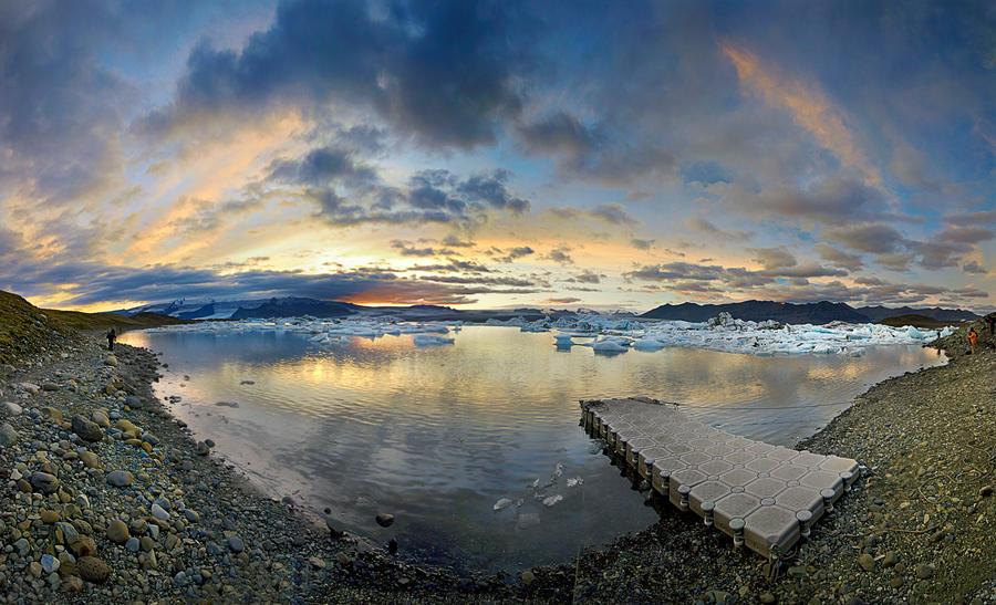 Jokulsarlon Panorama by cwaddell