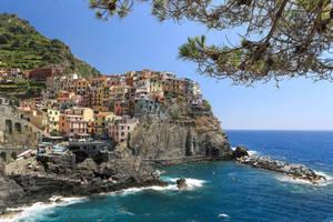 Manarola - Cinque Terre by cwaddell