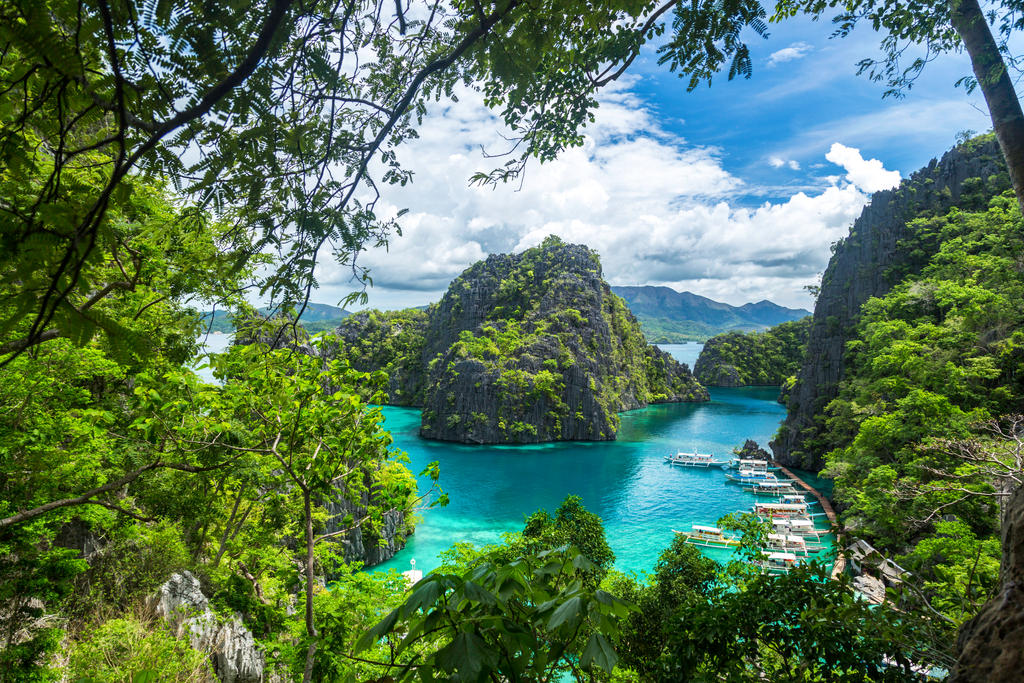 Kayangan Viewpoint by cwaddell