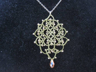tatted pendant -1- by belzhenev