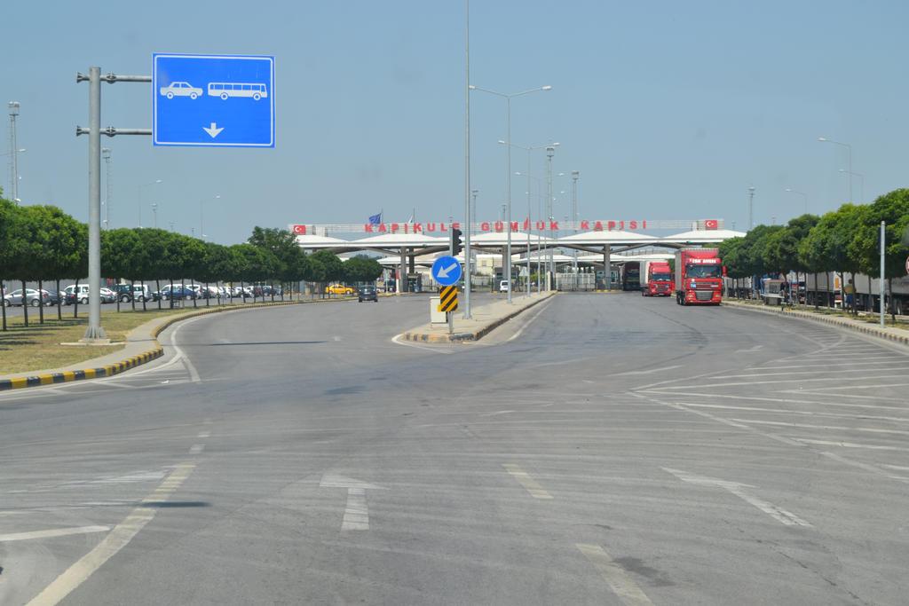 Edirne Kapikule border crossing of Bulgaria-Turkey by nigghttmaree