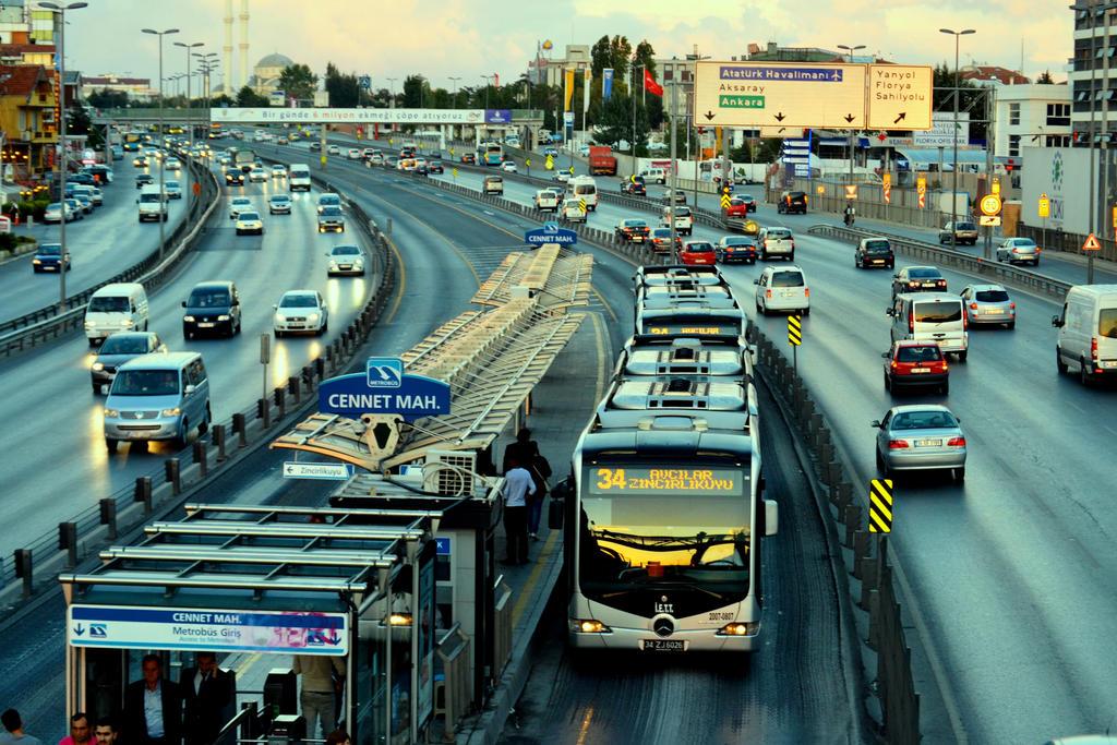 Istanbul trafigi o kadar korkunc degil gibi by nigghttmaree