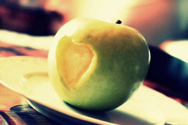Apple love by AMP-20