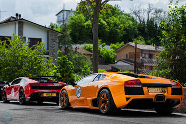 Orange or red ? by Lambo8