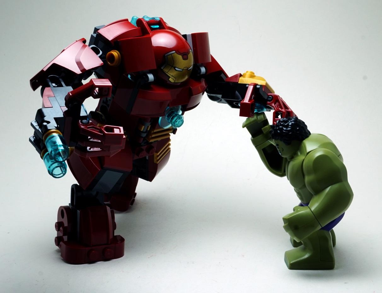 LEGO Hulkbuster vs Hulk by Infinitevirtue on DeviantArt