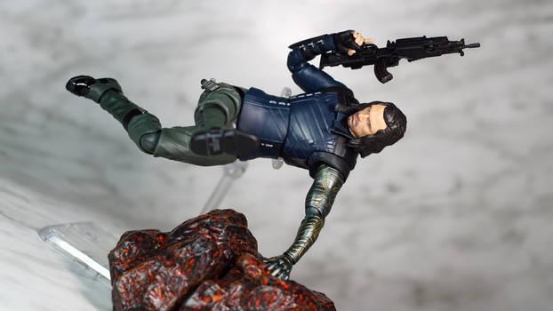 SH Figuarts Infinity War Bucky 07