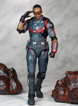 SH Figuarts Infinity War Falcon 02