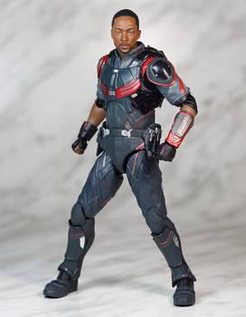 SH Figuarts Infinity War Falcon 01