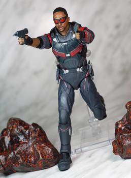 SH Figuarts Infinity War Falcon 03