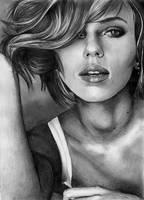 Scarlett Johansson by angiebelikejolie