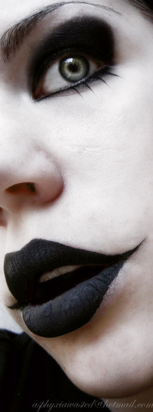 Black_lips_by_Helenabw