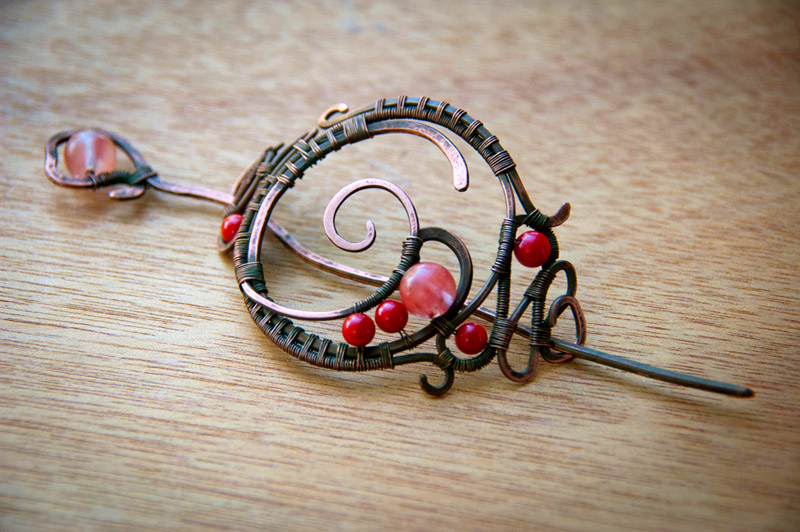 The hairpin/brooch by eiphen