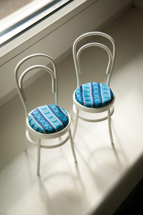 Viennese chairs 1/6 by eiphen