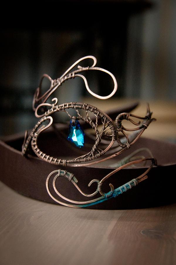 Shoulder bracelet by eiphen