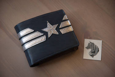 Captain America wallet by eiphen