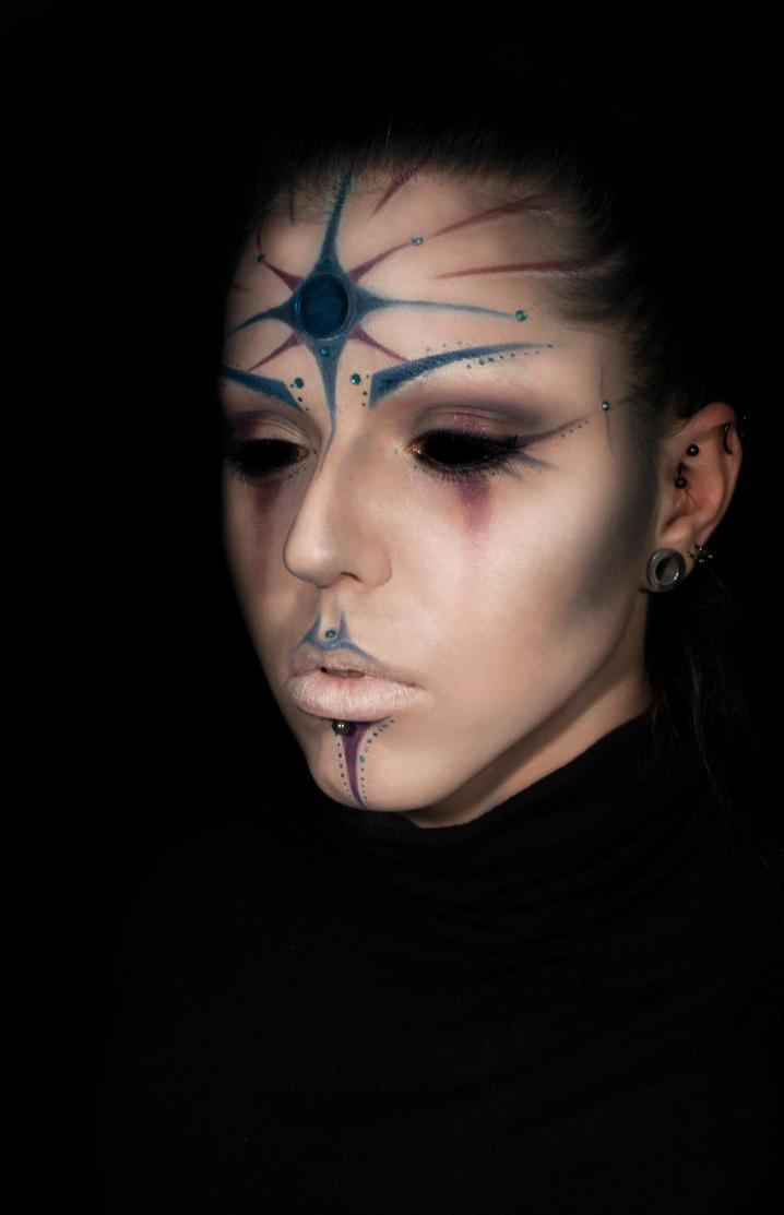 Alien/clown by xAsOnex