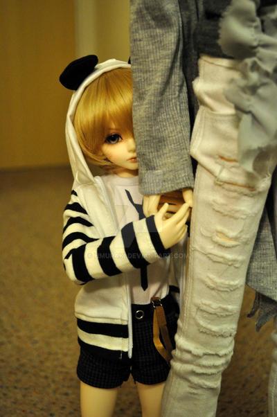 Shy by hmuraki