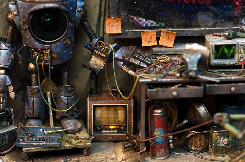 Giu's Robot Repairs - Part 1 by RaffaelePicca