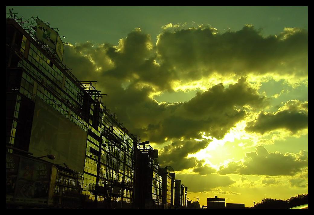 Matrix Reloaded in Paris 2 by bosniak