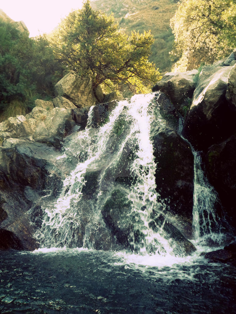 Salto del tabaquillo by LuthienMuse