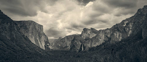 Yosemite tunnel view on Good Friday this year..