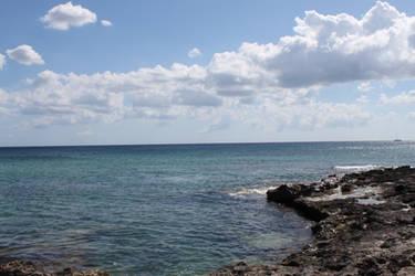 Beautiful sea by trullalallero
