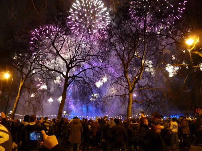 London Fireworks by SunMoonDragoness