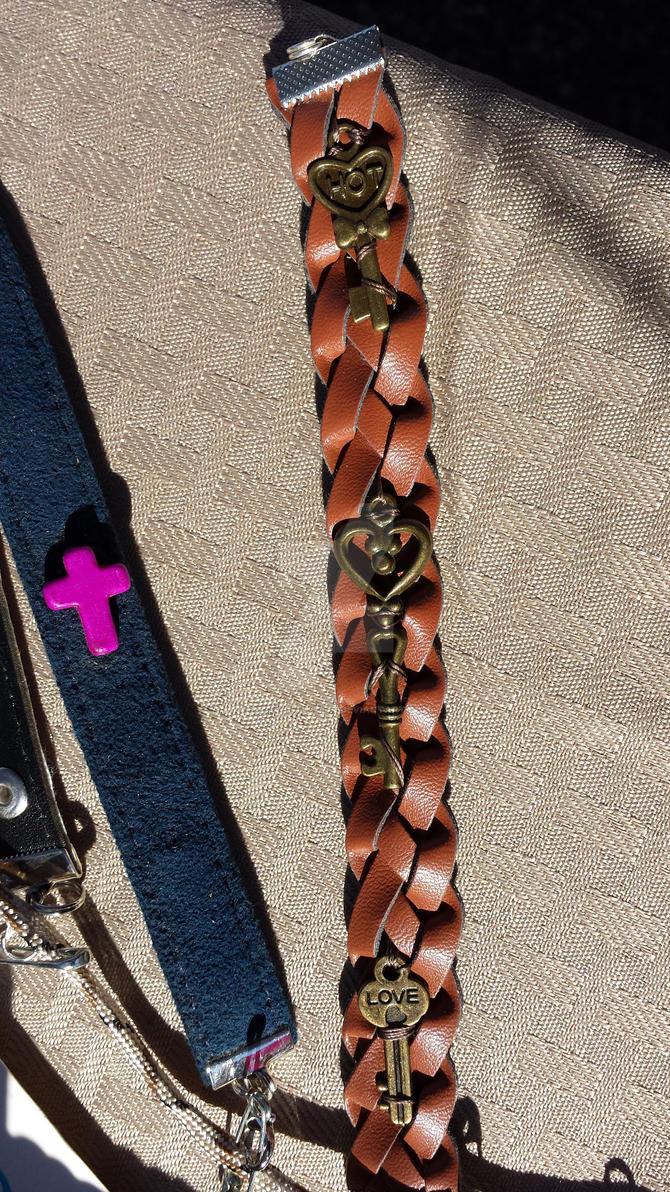 hot love key bracelet by optimustwist26