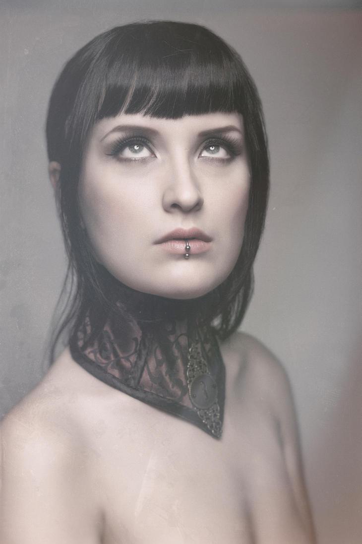 Neck corset 2 by KyaWolfwritten