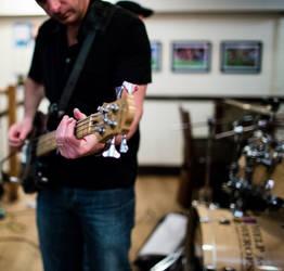Rich's bass by NiallAllen