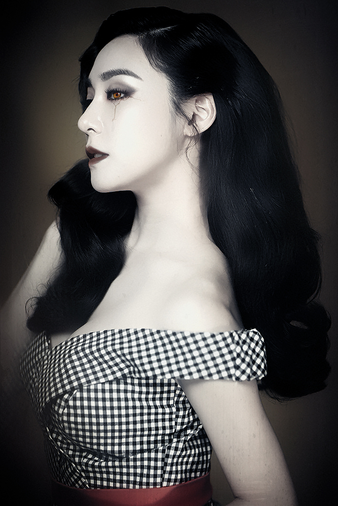 SNSD Tiffany vampire 001 by jojomallo
