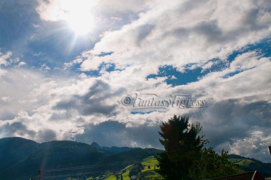 Rays of light by Fantasytigress