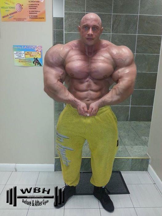 Huge gay giving head muscle